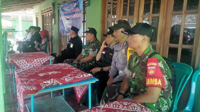 Babinsa Bersama Polsek Karangmalang Pam Kampanye Di Desa Jurangjero