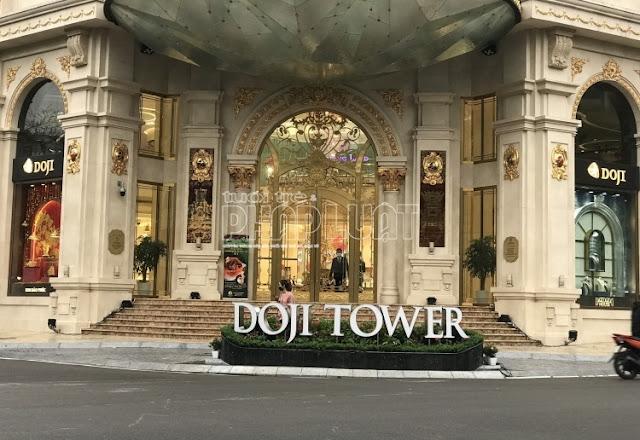 Doji Tower chiếm vỉa hè: Thành phố chỉ đạo phá dỡ, quận Ba Đình cho rằng 'phù hợp'
