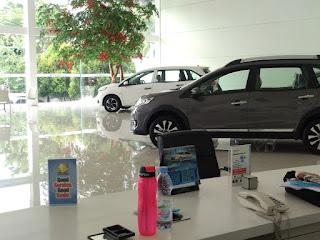 Display mobilio dan brv di dealer resmi honda di bekasi ( Honda harapan Indah)