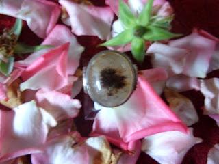 pengasihan ,dewi nawang sari ,batu mustika,azimat bertuah .mustika pemikat daya pandang,daya pesona