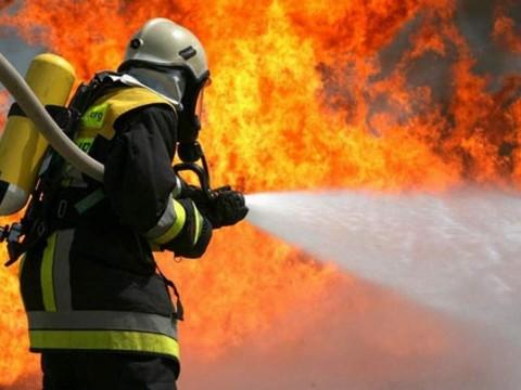 Пожежа на Броварщині: через коротке замикання ледь не згорів будинок