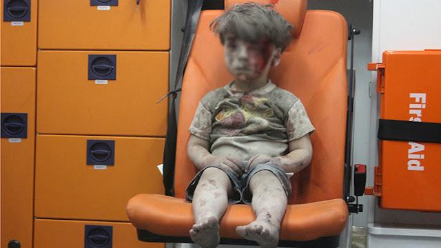 """El fotógrafo del niño de Alepo """"aplaude la actividad terrorista en Siria"""""""