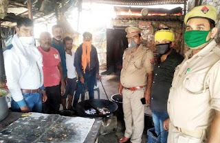 लगातार 52 दिन से जरूरतमन्दों को भोजन करा रही सरायपोख्ता चौकी पुलिस   #NayaSabera