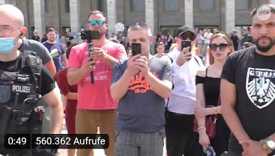 https://www.bild.de/regional/berlin/berlin-aktuell/attila-hildmann-greift-juedische-journalisten-an-bei-demo-kritik-an-polizei-71554648.bild.html