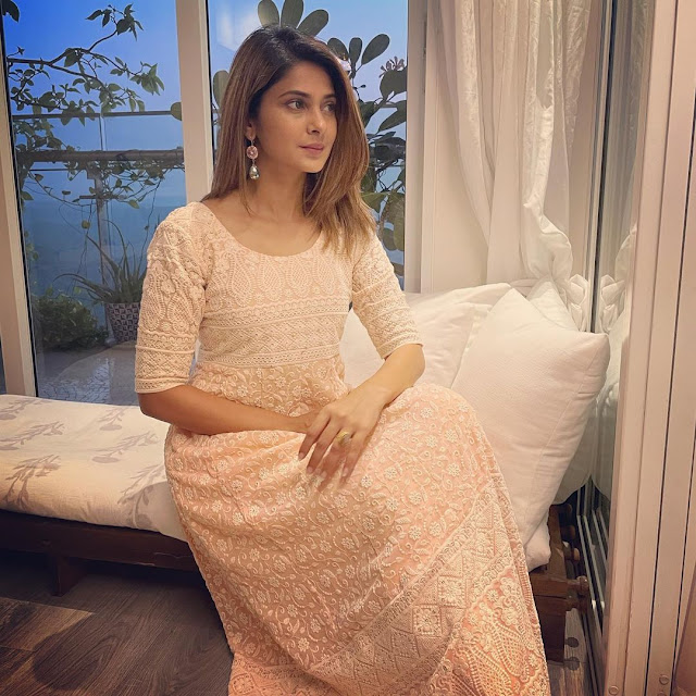 Jennifer Winget  (Indian Actress) Wiki, Biography, Age, Height, Family, Career, Awards, and Many More...