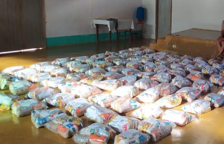 Prefeito de Guanambi Nilo Coelho doa duas mil cestas básicas