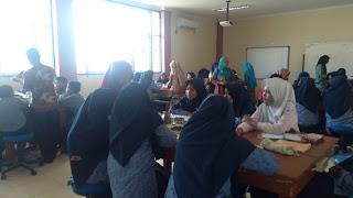 Outing Class Siswa SMP Islam Raudhatul Jannah di Laboratorium Fisika dan Biologi FTIK IAIN Batusangkar