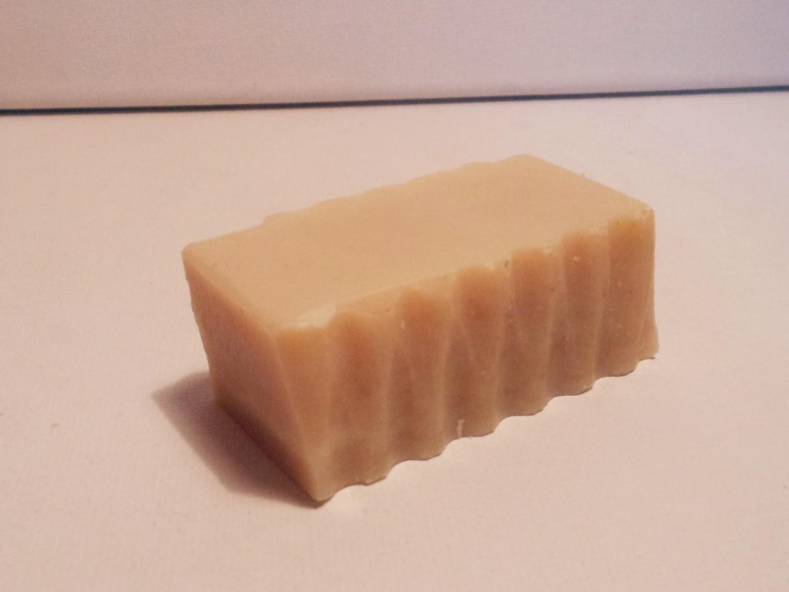 cd1a923cca7 Seep on väga nahaasõbralik, muudab selle äärmiselt puhtaks ning eemaldab  väga kergelt meigi ja kogu mustuse. Lisaks annab seep nahale ka värskust  juurde.