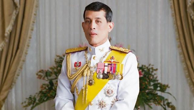 Raja Kembali ke Thailand untuk Berpesta Setelah Isolasi dengan 20 Selir
