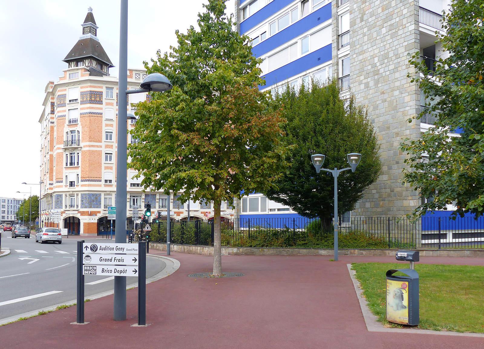 Corbeille canine Tourcoing - Angle rue Faidherbe et Carnot.