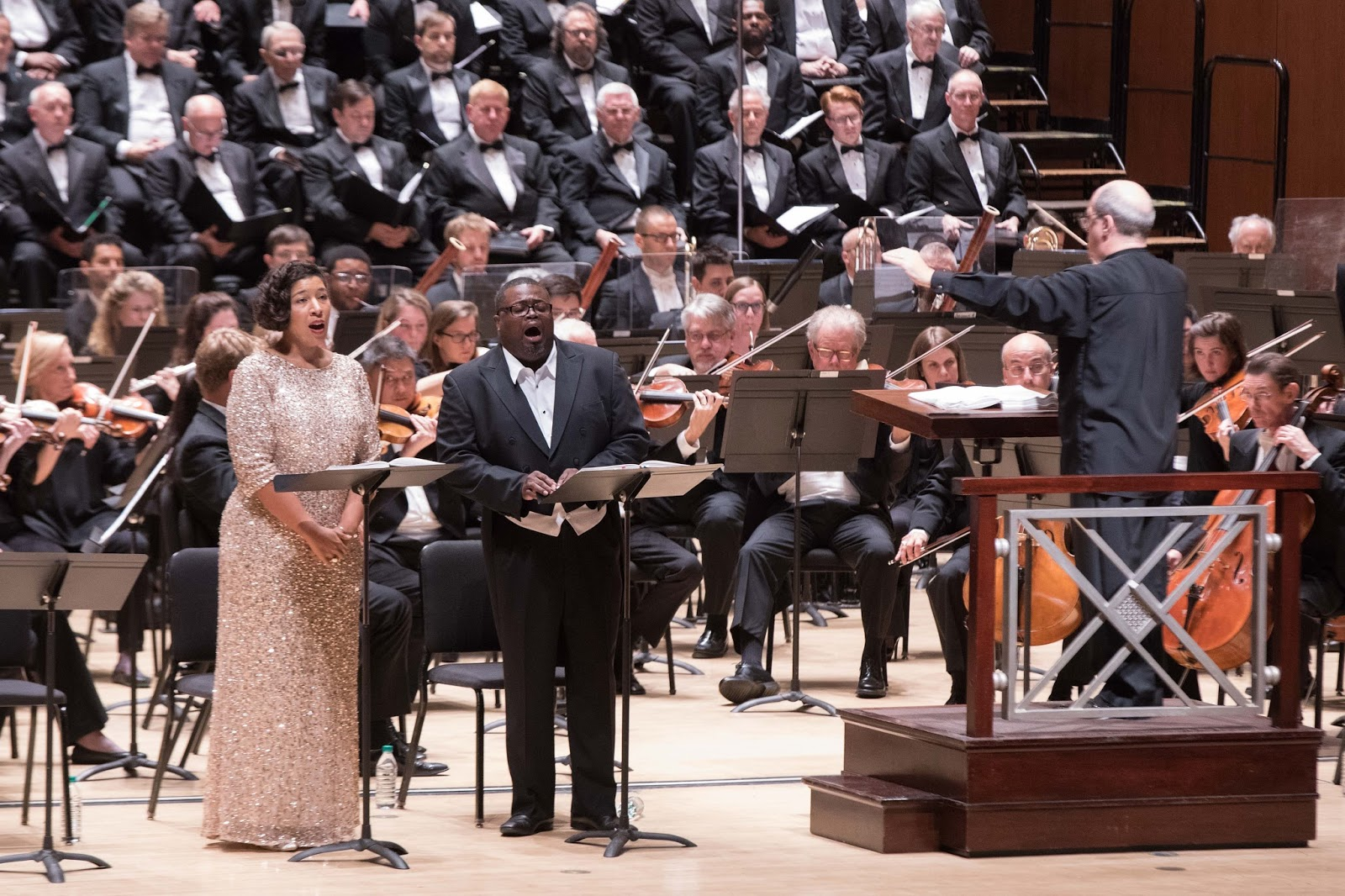 IN PERFORMANCE: (from left to right) soprano MARY ELIZABETH WILLIAMS as Desdemona, tenor RUSSELL THOMAS as Otello, and Maestro ROBERT SPANO in Atlanta Symphony Orchestra's concert performance of Giuseppe Verdi's OTELLO, 7 October 2017 [Photo by Jeff Roffman, © by Atlanta Symphony Orchestra]