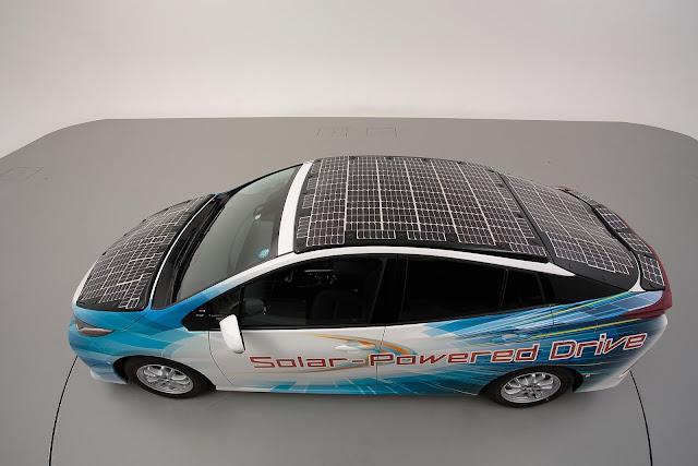 Toyota Memiliki Mobil Listrik dengan Atap Tenaga Surya