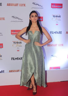 Alia Bhatt Stills At Filmfare Glamour and Style Awards (8)