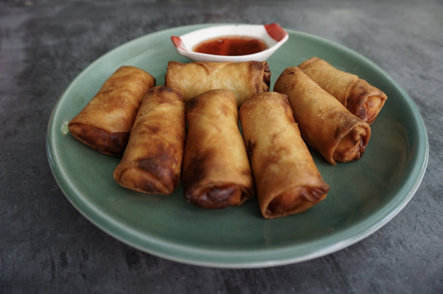 egg rolls and spring rolls