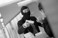 Manhã de sábado começa com três assaltos em sequência na cidade de Nova Floresta