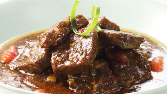 Membuat Hidangan Semur Daging Sapi Pas Banget Untuk Meningkatkan Imun Saat PPKM