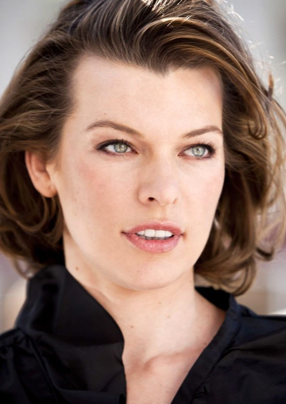 Celebrity Biography an... Milla Jovovich Age