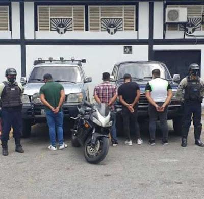 """Detenidas 4 personas por escándalo y """"bailar"""" a un muerto en avenida de Baruta (+Foto)"""