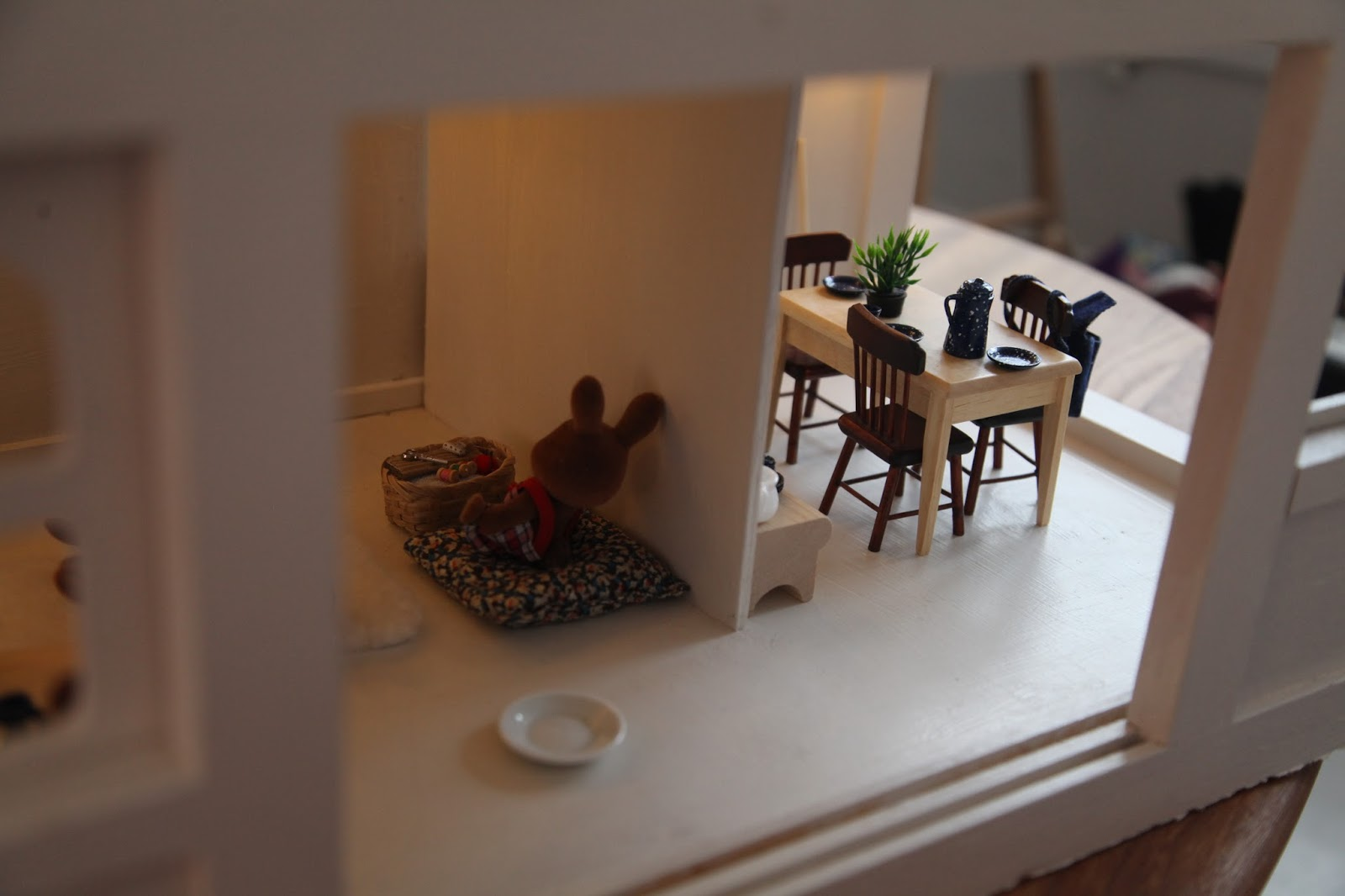 J U N K A H O L I Q U E Little Interiors - Dolls house interior