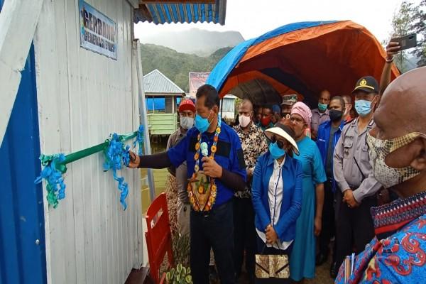 Jhon Richard Banua Resmika Pondok Potong Generasi untuk Denominasi Gereja di Kumima.lelemuku.com.jpg
