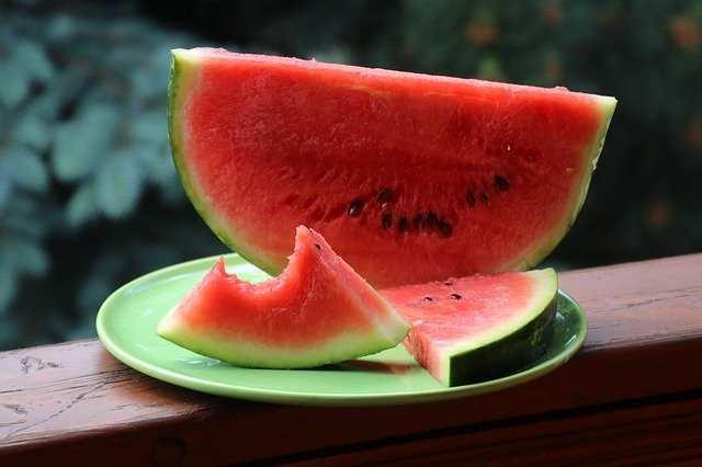 نسبة الكربوهيدرات في البطيخ
