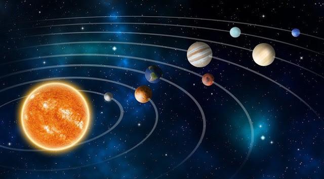 Ở cả phương Tây và phương Đông đều dựa theo sự tuần hoàn của trái đất để an sao tử vi
