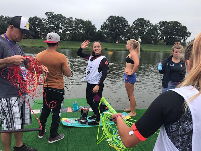 Larisa Morales antes de salir a competir en el Wakeboard de los Juegos Mundiales 2017