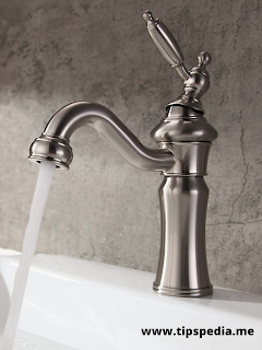 classic bathroom sink faucets