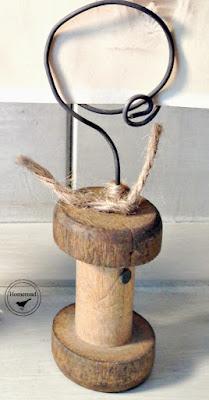 Repurposed Vintage Spool Photo Display. Homeroad.net