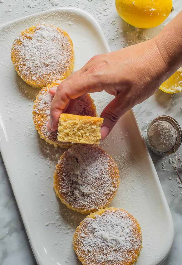 Bizcochitos de coco con glaseado de limón | sin lactosa | la Rosa dulce