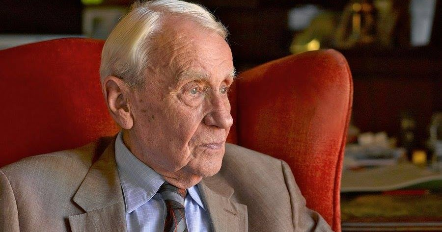 The Wertzone Christopher Tolkien Resigns As Head Of The