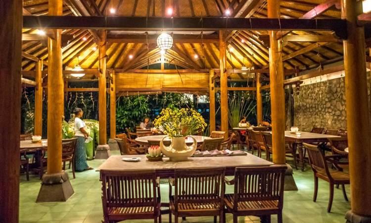 15 Tempat Makan di Jogja Paling Enak & Murah