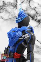 S.H. Figuarts Kamen Rider Blades Lion Senki 09