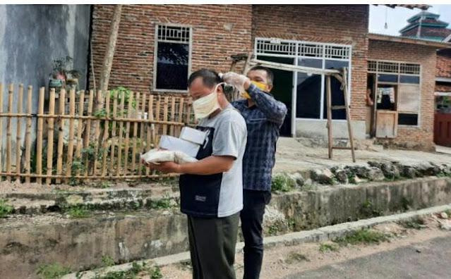 Reses di Musim Pandemi Covid-19, Ali Wardana Bagi Beras dan Masker ke Warga