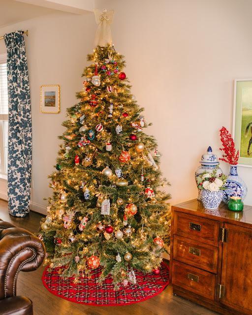Traditional and Easy Christmas Decor
