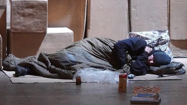 Πανευρωπαϊκή πρωτοβουλία για την προστασία φτωχών και αστέγων υπογράφουν Μπακογιάννης - Λυμπεροπούλου