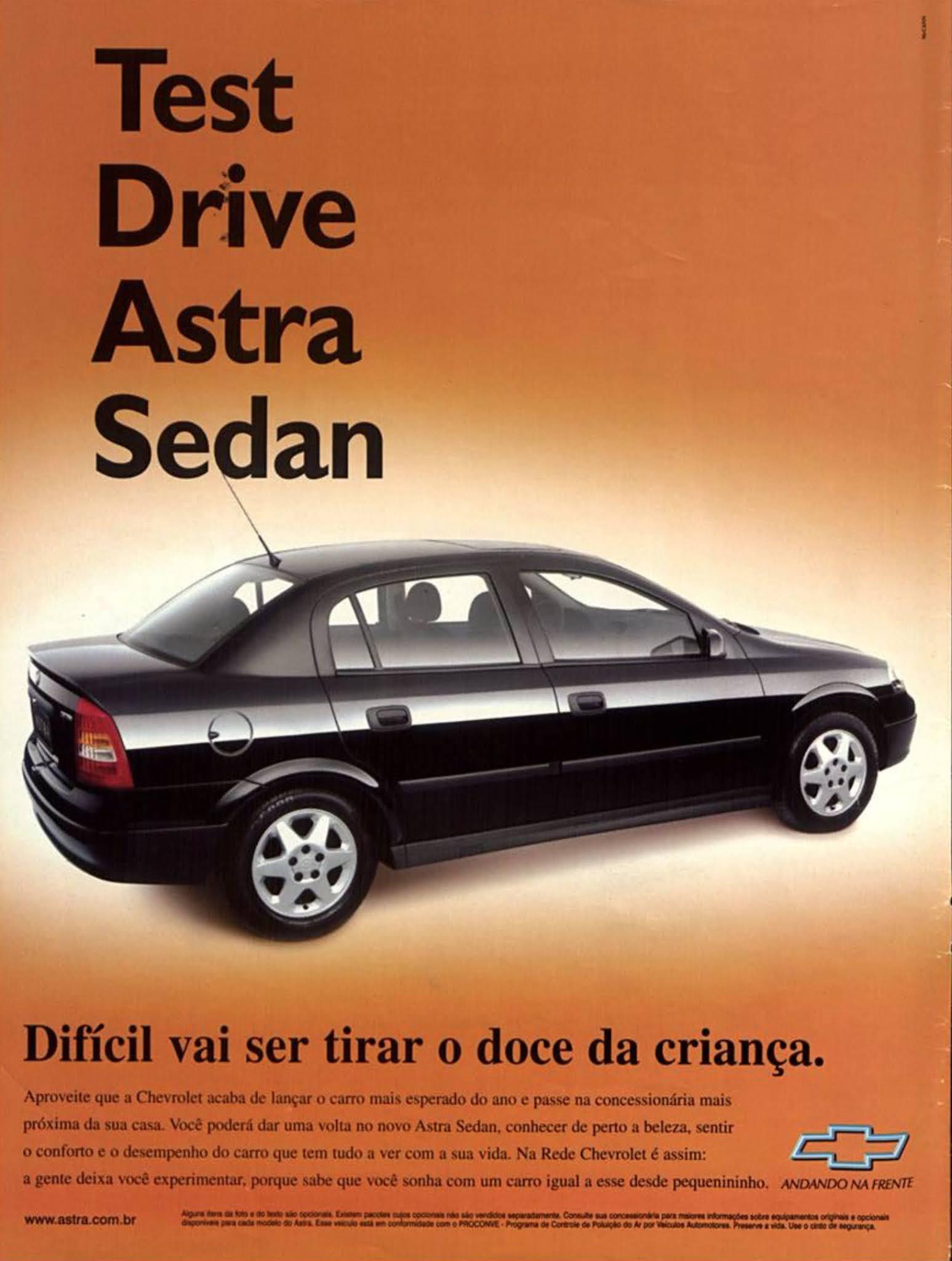 Anúncio antigo da Chevrolet promovendo o Astra em 1999