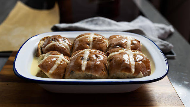 Leave hot cross buns to sit for 20 minutes