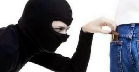 Hukum Istri Mengambil Uang Suami Tanpa Izin Boleh, Ini Haditsnya!