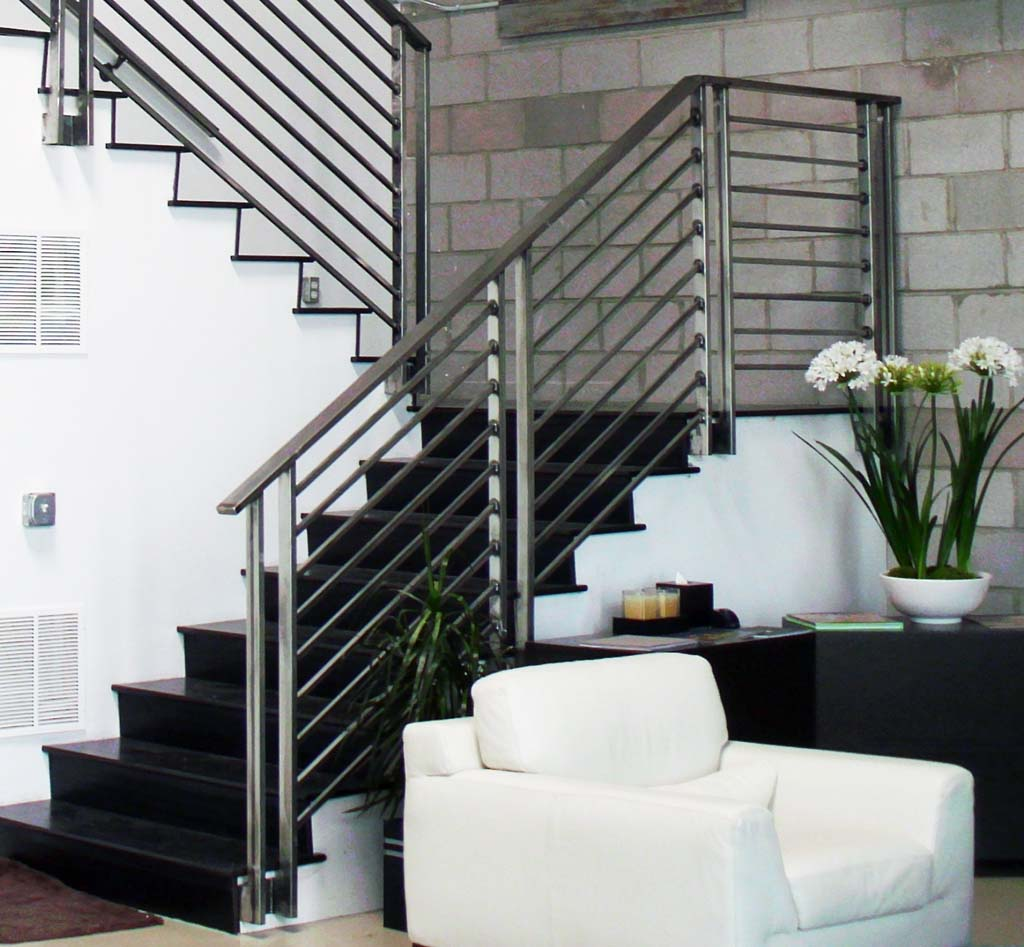 How to refurbish interior stair railing ellecrafts for Escaleras de herreria