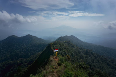 5 Rekomendasi Gunung untuk Pendaki Pemula versi Fiersa Besari