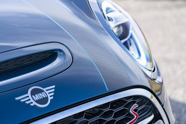 MINI Cooper S Cabrio Sidewalk 2021 chega por R$ 245 mil