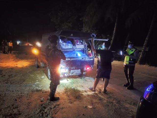 Kokohkan Sinergitas TNI-POLRI, Satgas Yonif MR 413 Kostrad Gelar Sweeping Gabungan di Kampung Koya Karang
