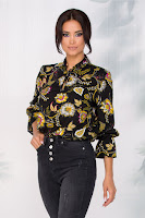 Bluza neagra din vascoza cu imprimeu floral
