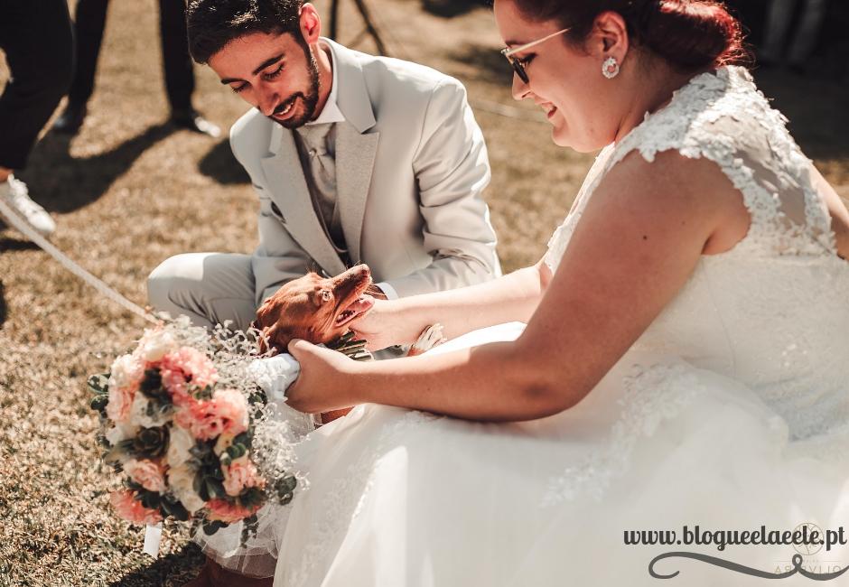 menina das alianças + cadela a entregar as alianças + casamento tema Harry Potter + blogue ela e ele + ele e ela + pedro e telma + organização do casamento + casório + blogue de casal