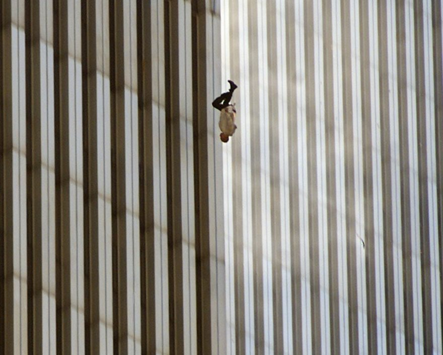 #6 Falling Man, Richard Drew, 2001 - Top 100 Of The Most Influential Photos Of All Time