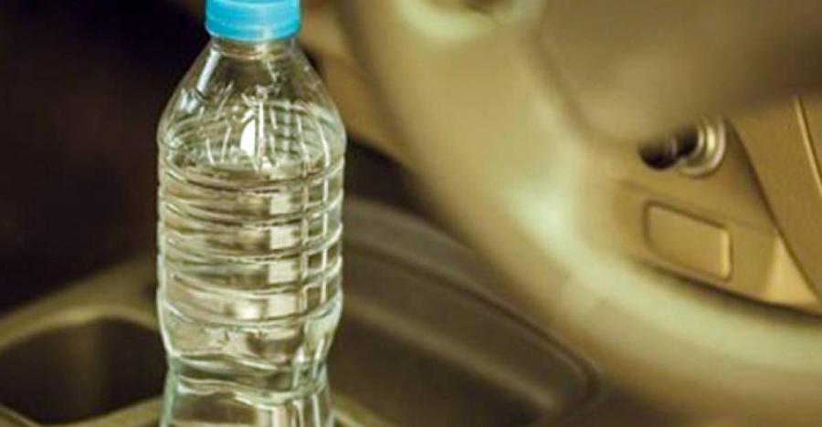 Προσοχή: Τα πλαστικά μπουκάλια νερού δεν πρέπει να ξαναγεμίζονται