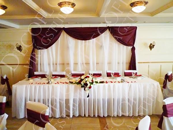 Tacuba Café bordó esküvői dekoráció