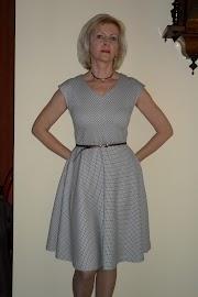 Sukienka w stylu lat 50-tych.