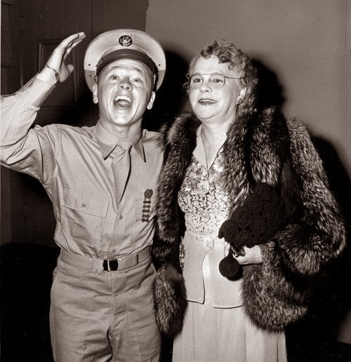 Mickey Rooney worldwartwo.filminspector.com